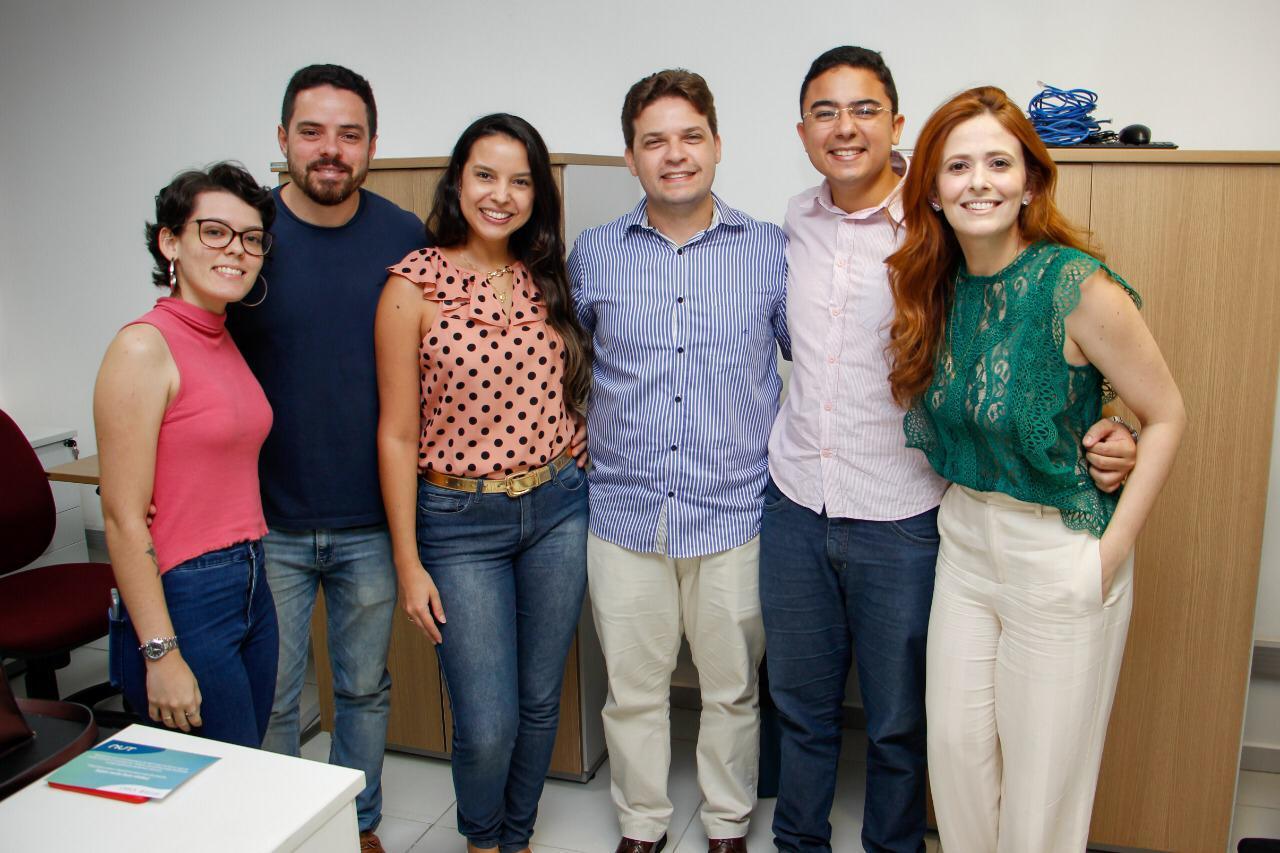 Parte da equipe da NUT, que conta com colaboradores de diversas áreas de atuação